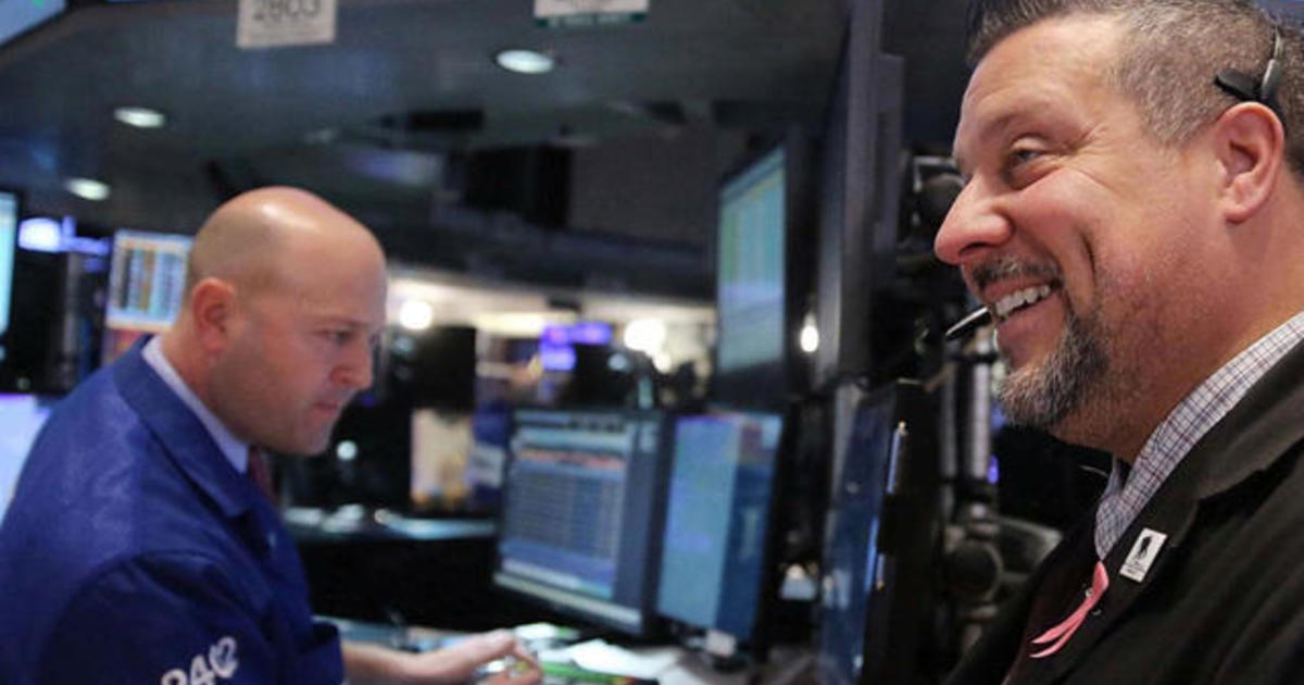Strong jobs news sends U.S. stocks higher, and other MoneyWatch headlines