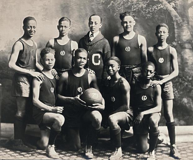 EJ Hooper Basketball Team