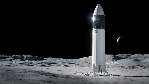 042621-spacex-lander.jpg