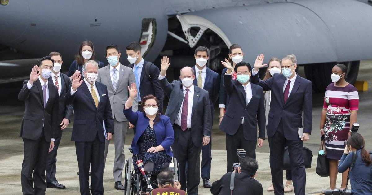 Senators announce U.S. donating 750,000 vaccine doses to Taiwan thumbnail