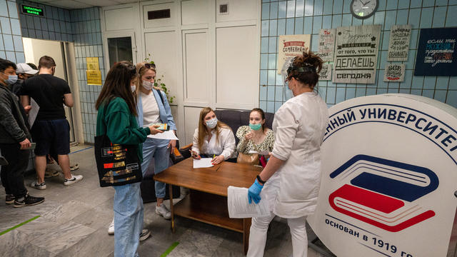 Students of State University of Management receive COVID-19 vaccines in Moscow