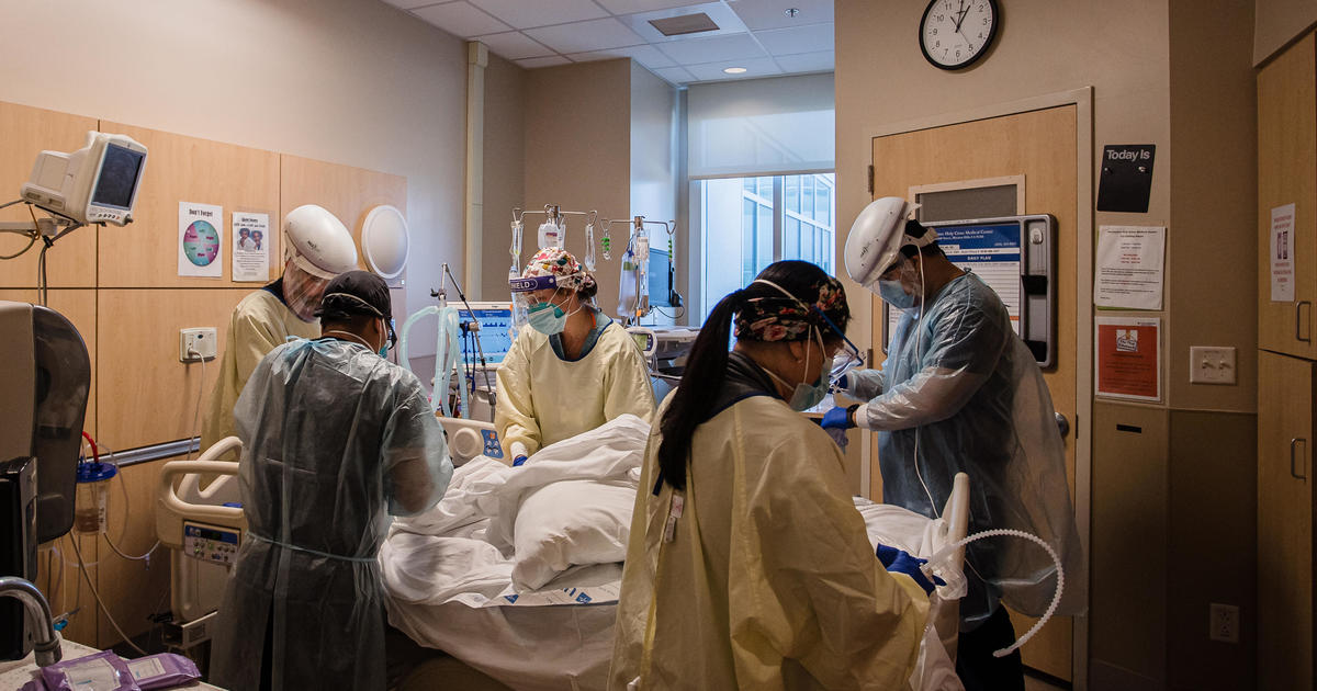 U.S. COVID deaths top 600,000 amid variant concerns