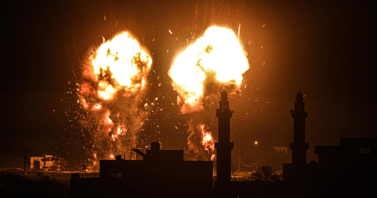 Israel responds to incendiary balloons with airstrikes on Gaza in 1st flare-up since cease-fire