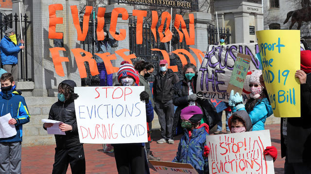 People Rally To Bring Back Eviction Moratorium