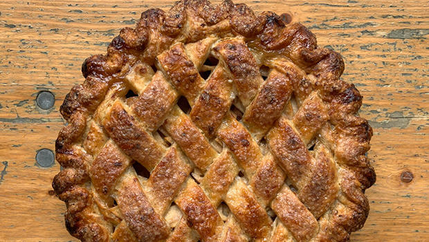 apple-pie-by-stacey-mei-yan-fong-50-pies-50-states.jpg