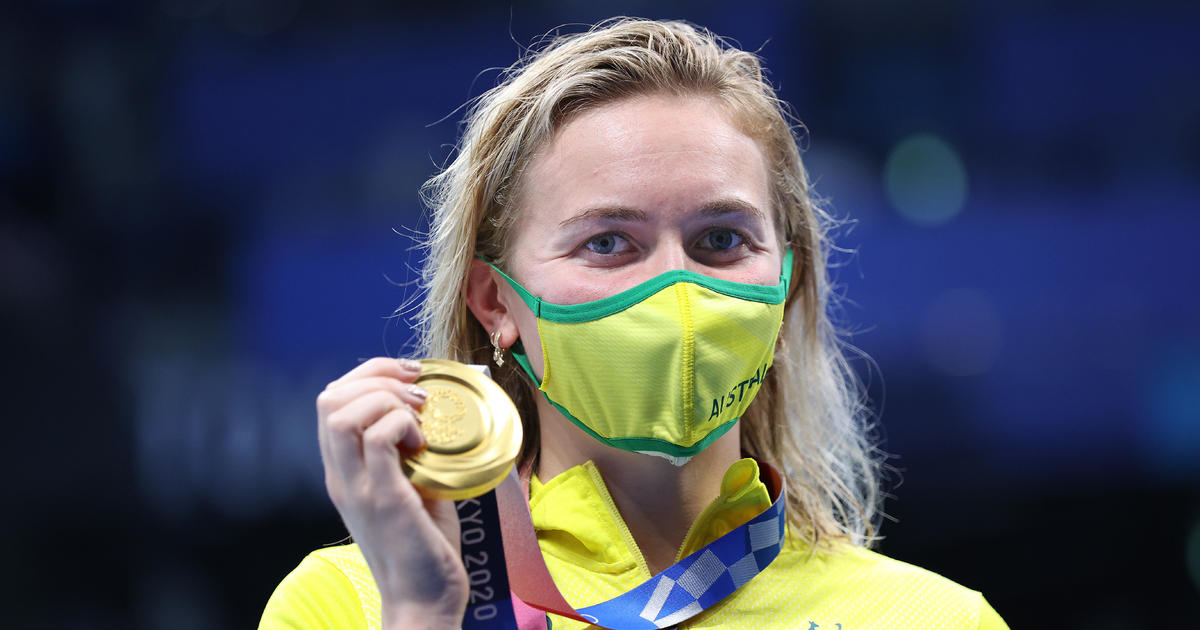 Ariarne Titmus wins gold over Katie Ledecky in 400 meter freestyle