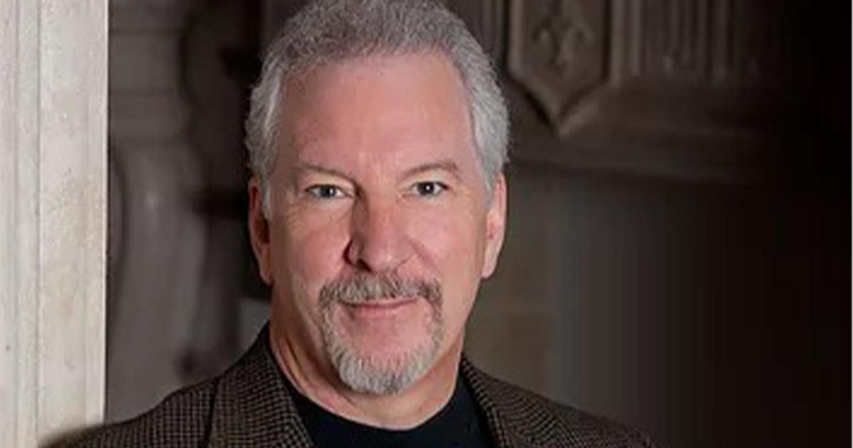 Phil Valentine, conservative radio host and vaccine skeptic, dies of  COVID-19 - CBS News