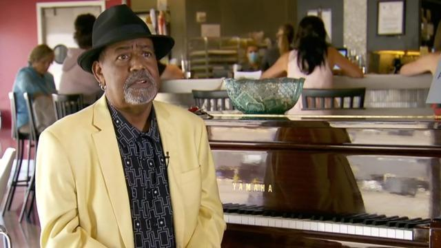 cbsn-fusion-piano-man-gets-thousands-in-donations-from-strangers-thumbnail-763008-640x360.jpg