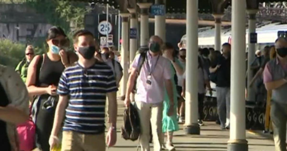 England ends quarantine for vaccinated U.S. travelers