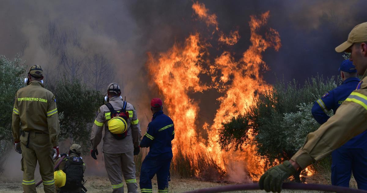 Wildfires force evacuations in southern Greece