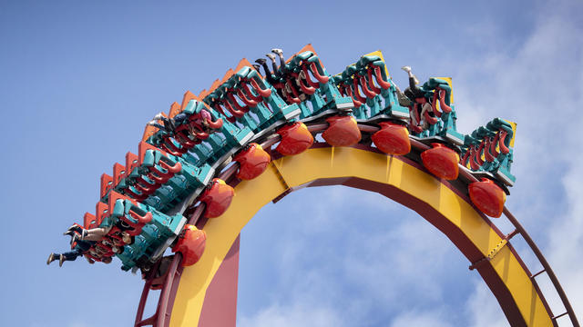 Knotts Berry Farm opening to the public