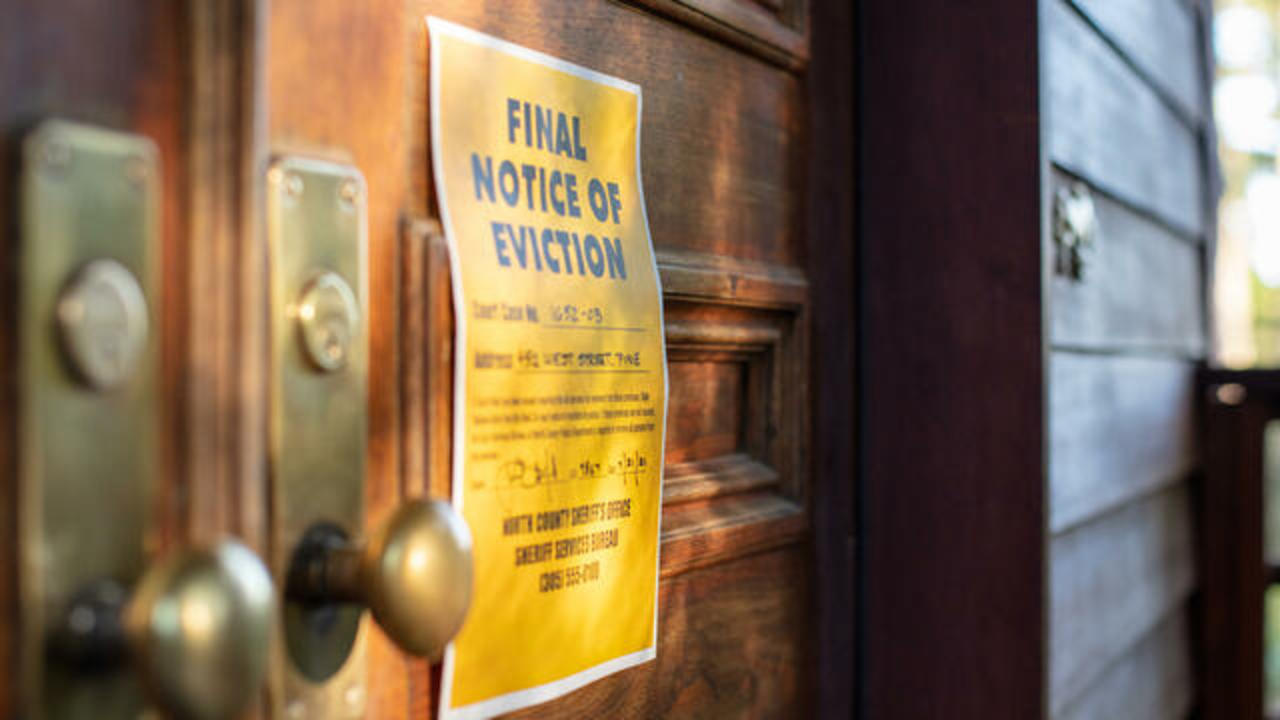 With eviction moratorium gone, 3.5 million U.S. households could lose their  home, Goldman Sachs estimates - CBS News