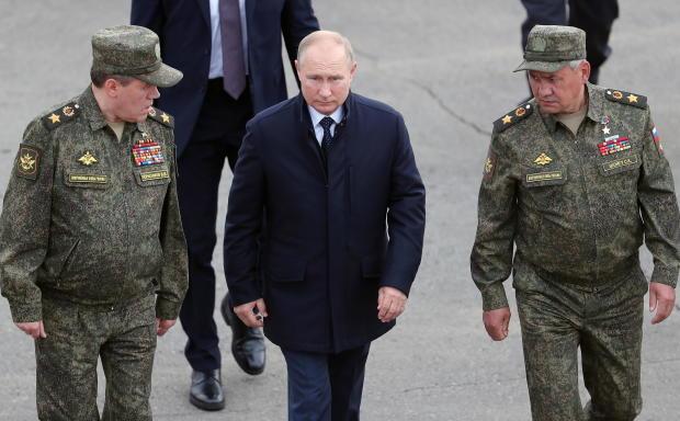 """Russian President Putin observes """"Zapad-2021"""" military exercise in Nizhny Novgorod Region"""