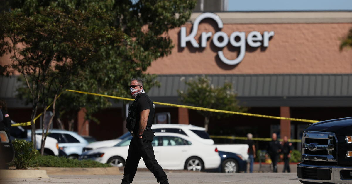 1 tewas, 12 terluka dalam pengambilan gambar di Kroger di Tennessee thumbnail
