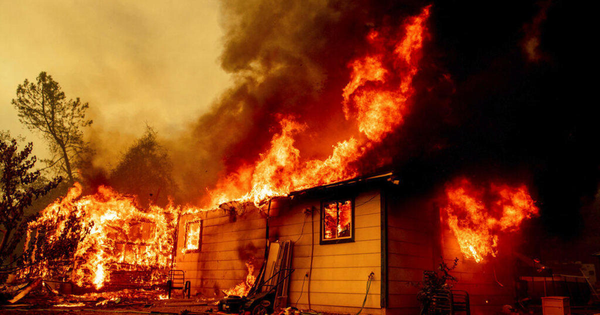 Fawn Fire north of Redding, California scorches more than 6,000 acres, sends residents fleeing