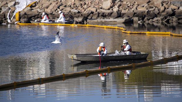 Major oil spill in Huntington Beach