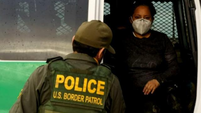 cbsn-fusion-report-thousands-of-migrants-expelled-to-mexico-faced-violent-attacks-thumbnail-820593-640x360.jpg