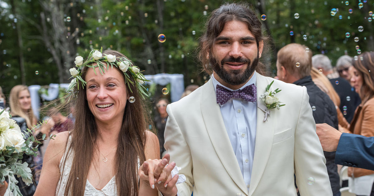 Bride wears special wedding dress for husband, who is blind